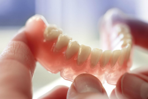 How To Clean Your Removable Dentures