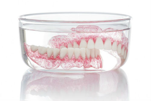 soaking removable dentures for cleaning